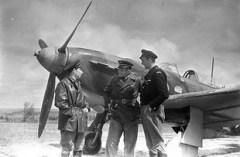 Подписано советско-французское соглашение о формировании на территории СССР французской авиационной эскадрильи, позднее известной как «Нормандия-Неман»