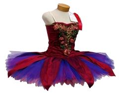 В балете впервые использовано платье под названием «пачка»