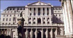 Банк Англии выпустил первые бумажные деньги с новой высокой степенью защиты от подделки