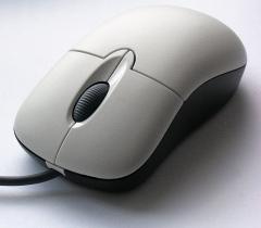 Американский изобретатель Дуглас Энгельбарт из Стэнфордского исследовательского института представил первую мире компьютерную мышь