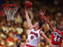 На первой Женевской международной конференции национальных баскетбольных ассоциаций было принято решение о создании Международной Федерации FIBA