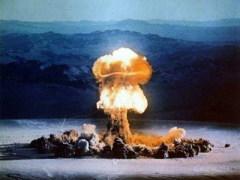 На полигоне в Лос-Аламосе был произведен первый в мире ядерный взрыв