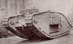 Первая в истории мировых войн танковая атака произошла в битве на реке Сомме
