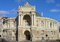 Открылся заново отстроенный после пожара Одесский оперный театр