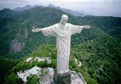 В Рио-де-Жанейро (Бразилия) на холме Корковаду состоялось торжественное открытие статуи Христа Спасителя