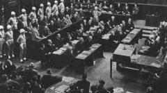 По приговору Нюрнбергского трибунала в здании Нюрнбергской тюрьмы казнены нацистские преступники