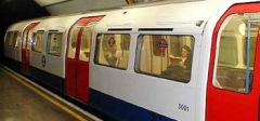 В Лондоне открылась первая электрическая линия метрополитена