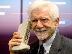Первому звонку с сотового телефона исполнилось 38 лет